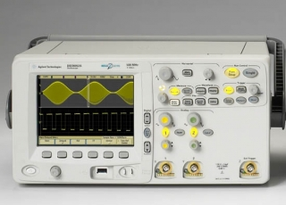 Цифровой запоминающий осциллограф Agilent Technologies  DSO6032A (300 МГц, 2выб/с, 2-канальный)